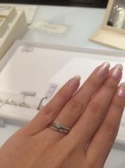 【1122 iifuufu bridal(いい夫婦ブライダル)の口コミ】 いろんな指輪を用意されていますが、私の目当ては3本セットで22万のセッ…