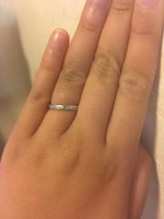 【Sirena Azzurro(セイレーン アズーロ)の口コミ】 結婚指輪の条件として幅が太くないもの、装飾が少ないもの、マットな質感…
