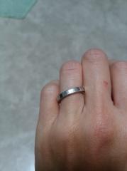 【カルティエ(Cartier)の口コミ】 ふたりで、銀座のお店を実際に回って、話し合いながら、決めた結果この指…