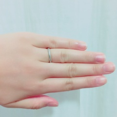 【ティファニー(Tiffany & Co.)の口コミ】 主人と全くのお揃いにしたかったので、宝石の付いていないシンプルなリング…