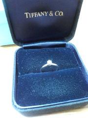 【ティファニー(Tiffany & Co.)の口コミ】 私はあまりアクセサリーをつけないタイプで、婚約指輪はいらないと考えてい…