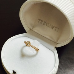 【TRECENTI(トレセンテ)の口コミ】 ゼクシィで指輪を見ていた時に前からピンクゴールドの婚約指輪が欲しいと…