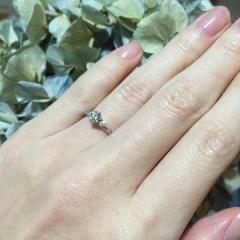 【銀座ダイヤモンドシライシの口コミ】 最初からダイヤモンドのこの形のものを探していました たくさん試着させて…