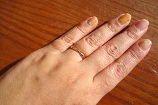 【ティファニー(Tiffany & Co.)の口コミ】 「指に馴染むデザインとつけ心地」です。 色はゴールド系で探していました…