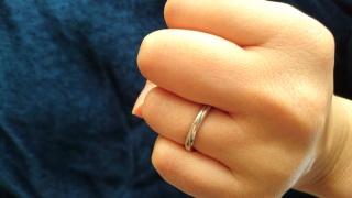 【銀座ダイヤモンドシライシの口コミ】 正直ねじりの入ったデザインは考えていなかったのですが、このリングに出会…