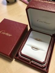 【カルティエ(Cartier)の口コミ】 結婚指輪はティファニーかカルティエと決めてました。 ネットで下調べをし…