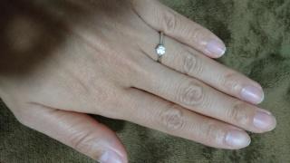 【俄(にわか)の口コミ】 前々から憧れていた1粒石ダイヤの指輪がとても気に入り予算内で収まるため…