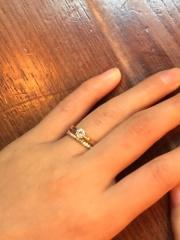 【スタージュエリー(STAR JEWELRY)の口コミ】 もともと、婚約指輪をエタニティにしようと思ってお店に行きました。 何点…
