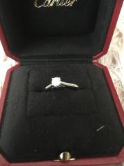 【カルティエ(Cartier)の口コミ】 今後、結婚式等につけていけるようにダイヤ等のシンプルな宝石つきで、なお…
