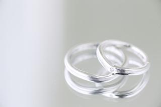 【ギンザタナカブライダル(GINZA TANAKA BRIDAL)の口コミ】 ダイヤモンドがさりげなくて、華奢なデザインが美しい。自分の手が細いの…