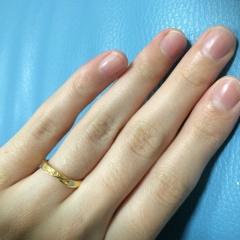 【ジュエリーツツミ(JEWELRY TSUTSUMI)の口コミ】 プラチナとゴールドで悩んだのですが主人の祖母の指輪を見て「生涯身に付け…