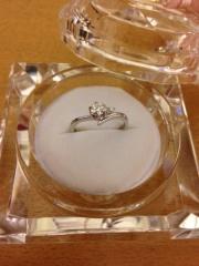 【アイプリモ(I-PRIMO)の口コミ】 ダイヤモンドがきれいに映えるデザインであることを、決め手としました。ま…