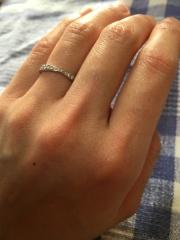 【4℃(ヨンドシー)の口コミ】 先にインターネットでデザインを探して、 結婚指輪なのでペアで購入するた…