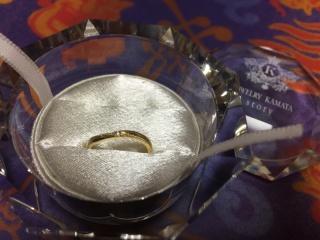 【JEWELRY  KAMATA(ジュエリーかまた)の口コミ】 結婚指輪と合わせて、合うものにしました!細めの指なのでデザインは細めが…