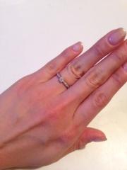 【ティファニー(Tiffany & Co.)の口コミ】 よくある一粒ダイヤの婚約指輪でなく、ハーフエタニティのデザインが良い…