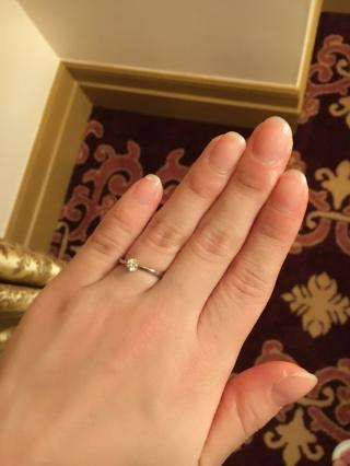 【俄(にわか)の口コミ】 数店舗、指輪のお店を見てまわりましたが、指輪が一つ一つ繊細で、細く、一…