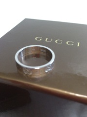 【グッチ(GUCCI)の口コミ】 婚約指輪としてはカジュアルなものではあるが、結婚後も長く付けていたか…
