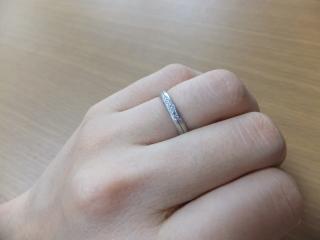 【ラザール ダイヤモンド(LAZARE DIAMOND)の口コミ】 まずとてもかわいらしいデザインと、キラキラ輝く五つの小さなダイヤモン…