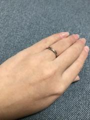 【4℃(ヨンドシー)の口コミ】 指を綺麗に見せてくれる緩いウェーブと、普段使いにピッタリなさりげないダ…
