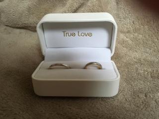【True Love(トゥルーラブ)の口コミ】 内側がピンクゴールドになっていて可愛かったから。 私はピンクゴールドが…
