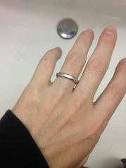 【CHRISTIAN BAUER(クリスチャンバウアー)の口コミ】 有名ブランドの男性側の指輪は細いデザインが多く、もう少し太い指輪を探し…