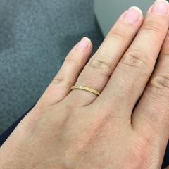 【CHER LUV(シェールラブ)の口コミ】 ゴールドの指輪にすると決めていたので、すぐに気に入りました。ミル打ちで…