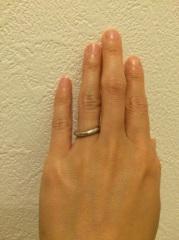【アイプリモ(I-PRIMO)の口コミ】 まず、3号以下の指輪を一から作っているということ。 この逆S字という独…