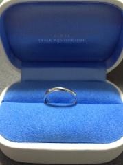 【銀座ダイヤモンドシライシの口コミ】 店員さんの接客がとても丁寧で、希望しているタイプの指輪を試着後、一緒に…