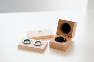 【SORA(ソラ)の口コミ】 指輪に(選択肢の中から)好みの色で発色をさせることができること。デザイ…