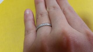 【JEWELRY  KAMATA(ジュエリーかまた)の口コミ】 婚約指輪とセットではめられる指輪を探していました。あるお店では決まった…