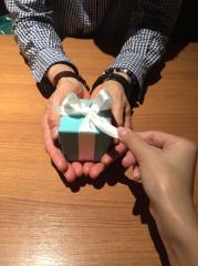 【ティファニー(Tiffany & Co.)の口コミ】 婚約指輪と結婚指輪の2本を購入しました。2人で決めた、大切なリングを特…