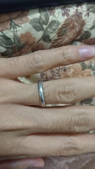【アイプリモ(I-PRIMO)の口コミ】 奥さんの指輪は、普通につけた場合は豪華な指輪ですが、逆にはめるとシンプ…