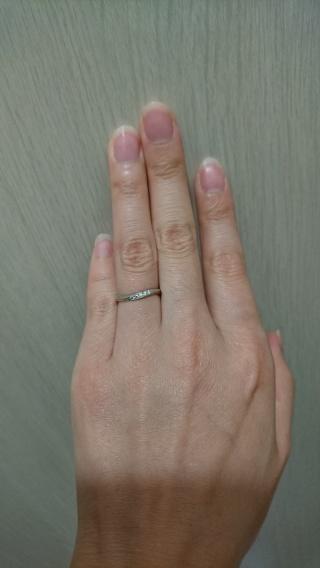【ラザール ダイヤモンド(LAZARE DIAMOND)の口コミ】 せっかくのラザールさんなのでわたしはダイヤ入りのもので、そして主人とは…