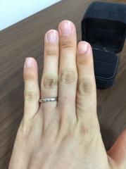 【ティファニー(Tiffany & Co.)の口コミ】 出産の際に結婚指輪をなくしてしまい、2度目の購入でした。最初のとはブ…