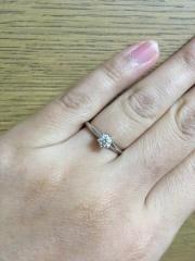 【ティファニー(Tiffany & Co.)の口コミ】 全体的に高いお店。でも、ダイヤの質はバッチリです。 私は、せっかく買っ…