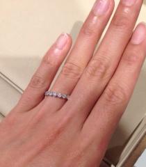 【agete(アガット)の口コミ】 主人がサプライズで選んでくれたのですが、ダイヤモンドがお花の冠のよう…