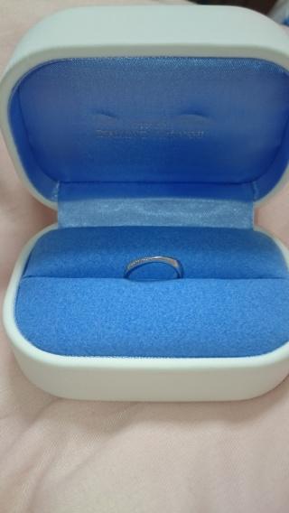【銀座ダイヤモンドシライシの口コミ】 ダイヤモンドシライシさんは、デザインが豊富でどれも素敵な指輪でした。…