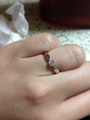 【ティファニー(Tiffany & Co.)の口コミ】 私の好みが派手なタイプでは無いので、大きなダイヤより小ぶりで控えめな…