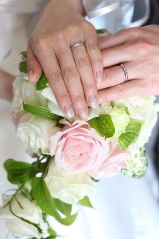 【ケイウノ ブライダル(K.UNO BRIDAL)の口コミ】 ずっとディズニーの結婚指輪が欲しいと思っていた所、ちょうどケイウノが金…