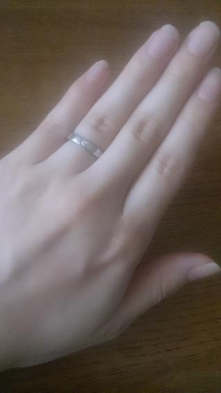 【ブルガリ(BVLGARI)の口コミ】 プラチナに一粒ダイヤのシンプルな結婚指輪を探していました。非常にシンプ…