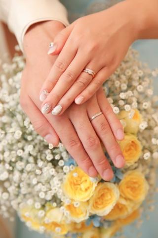 【銀座ダイヤモンドシライシの口コミ】 妻の婚約指輪、結婚指輪はピンクゴールドにしたかったので、ピンクゴール…