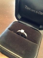 【ティファニー(Tiffany & Co.)の口コミ】 一粒石の婚約指輪に憧れており、頻繁につけたかったので高さがあまり出な…