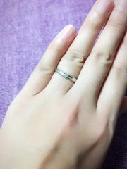 【アイプリモ(I-PRIMO)の口コミ】 結婚式も行わず、婚約指輪と結婚指輪を兼ねた指輪を探してました。こちらは…