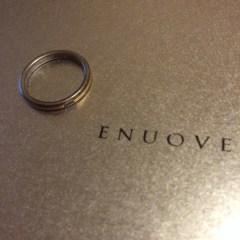 【ENUOVE(イノーヴェ)の口コミ】 主人はシルバー色のリングをほしがっていましたが、私がどうしてもゴールド…