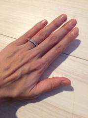 【ティファニー(Tiffany & Co.)の口コミ】 ハーフサークルシェアドプロングセッティングバンドリング。 ダイヤが囲わ…
