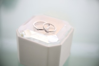 【4℃(ヨンドシー)の口コミ】 婚約指輪は自分で選ばずに旦那から4℃の指輪をもらいました。 婚約指輪と…