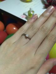 【カルティエ(Cartier)の口コミ】 シンプルで普段でも使用できるような婚約指輪を探していました。 また私の…
