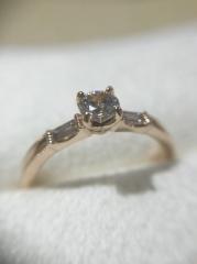 【LUCIE(ルシエ)の口コミ】 決め手はその場で希望のデザインを起こしてくださり、婚約指輪に意味を込…