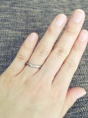 【アイプリモ(I-PRIMO)の口コミ】 指が短いので、指輪をはめた時に綺麗に見えるものを意識して選びました。家…