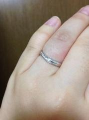 【SONARE(ソナーレ)の口コミ】 婚約指輪を普段使いできるように、石が小さめでシンプルなデザインにした…